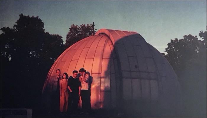 Still in the Woods haben das Album Flying Waves veröffentlicht