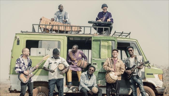 Faratuben haben das Album Sira Kura als Doppel LP veröffentlicht